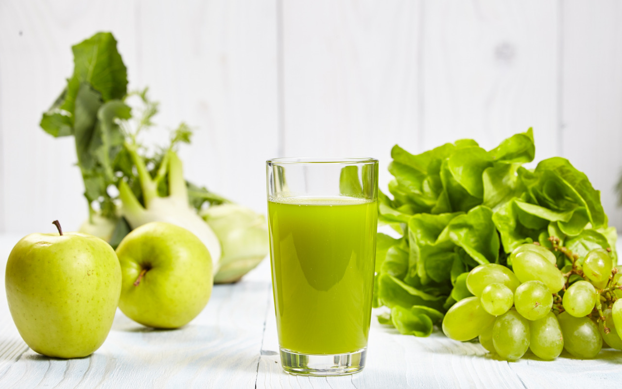 napitok-sok-vinograd-zelen