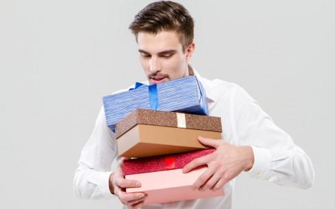 Хорошие подарки на 23 февраля: дешевле и дороже