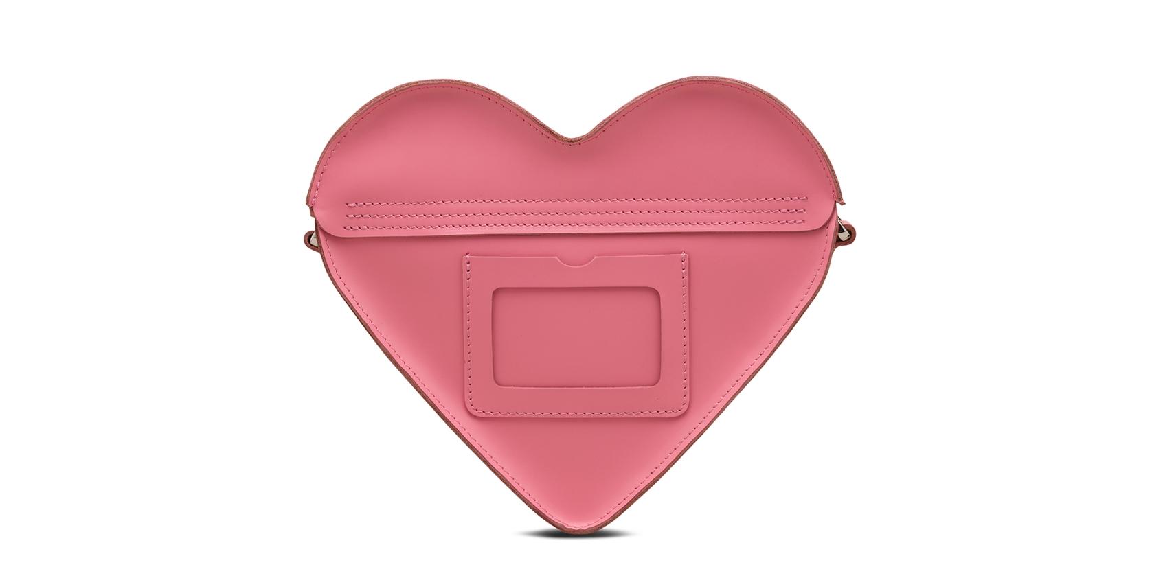 14 февраля: сердечки, розы и Dr. Martins | Модные тренды | Красота