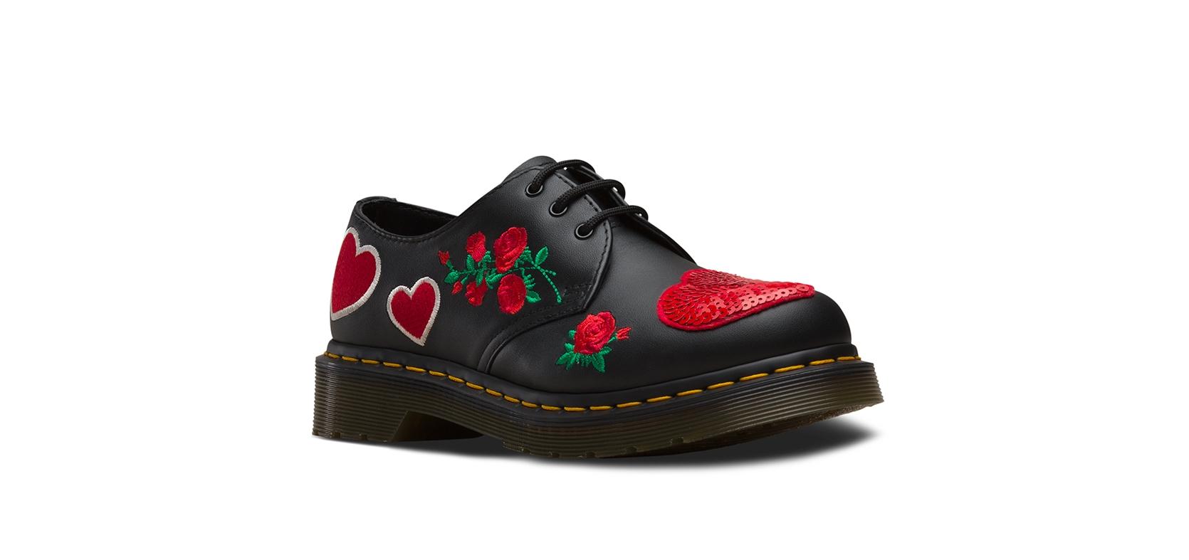 14 февраля: сердечки, розы и Dr. Martins