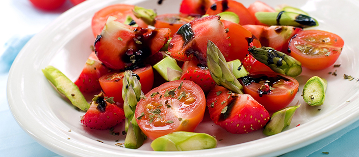 harrys-strawberry-and-tomato-salad-20-salad-20150311-071414