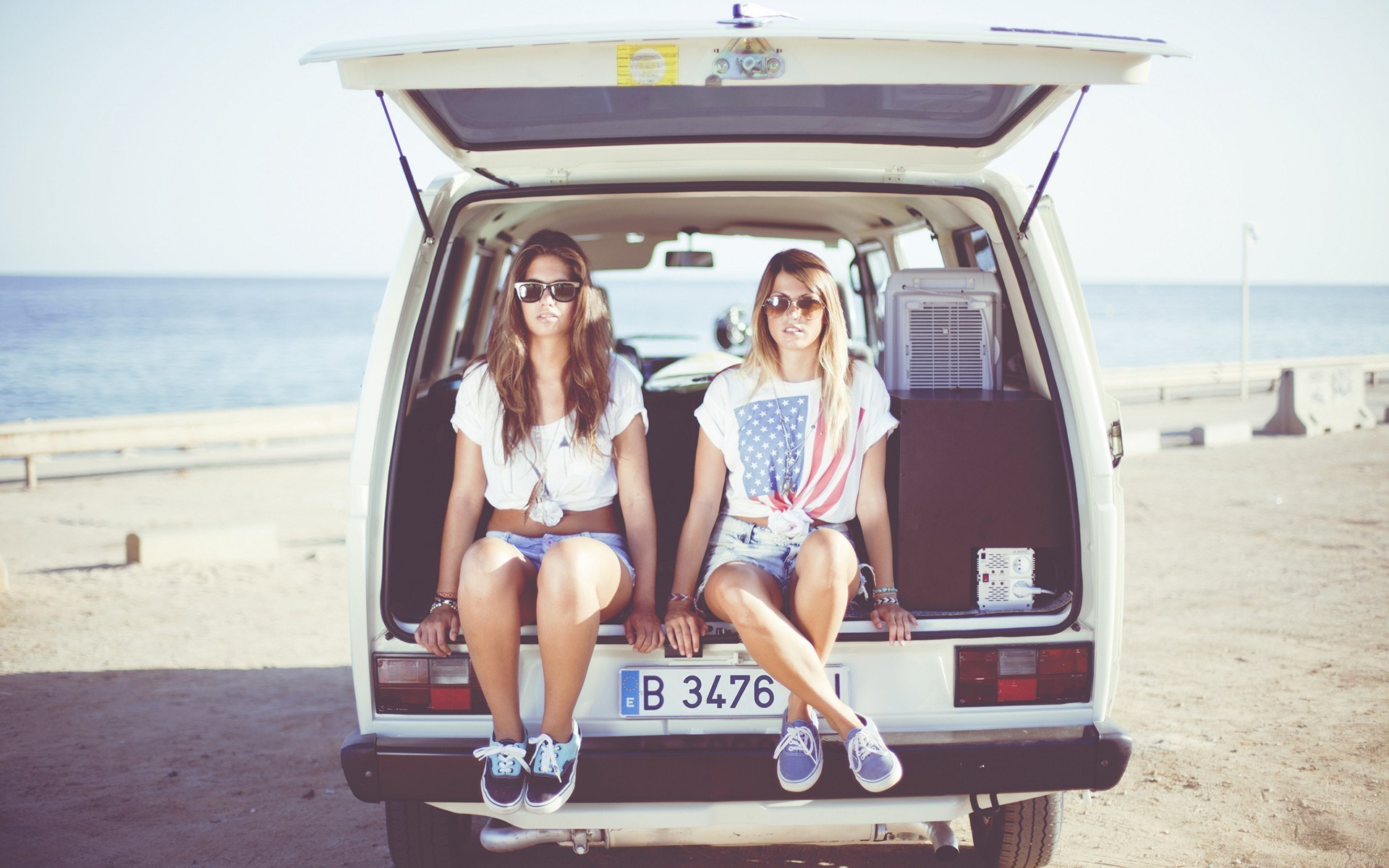 models-girls-car-beach-mood-hd-wallpaper