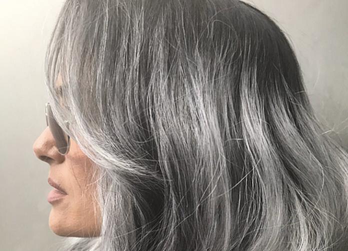 Как избавиться от седых волос: способы, которые работают