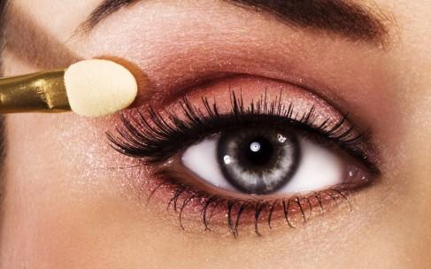 Как сделать макияж в спешке? Составьте план заранее!