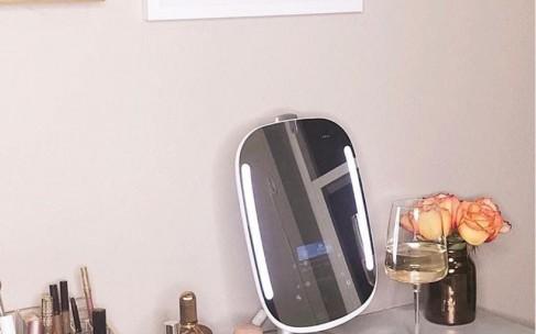 Умное зеркало расскажет о проблемах с кожей