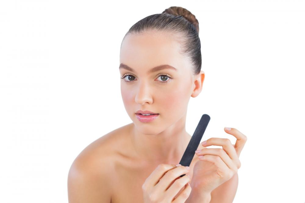 pretty-model-with-nail-file