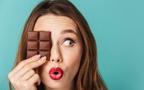 Сахар отнимает молодость кожи?