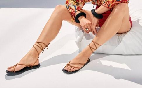 «Голая» обувь — хит сезона