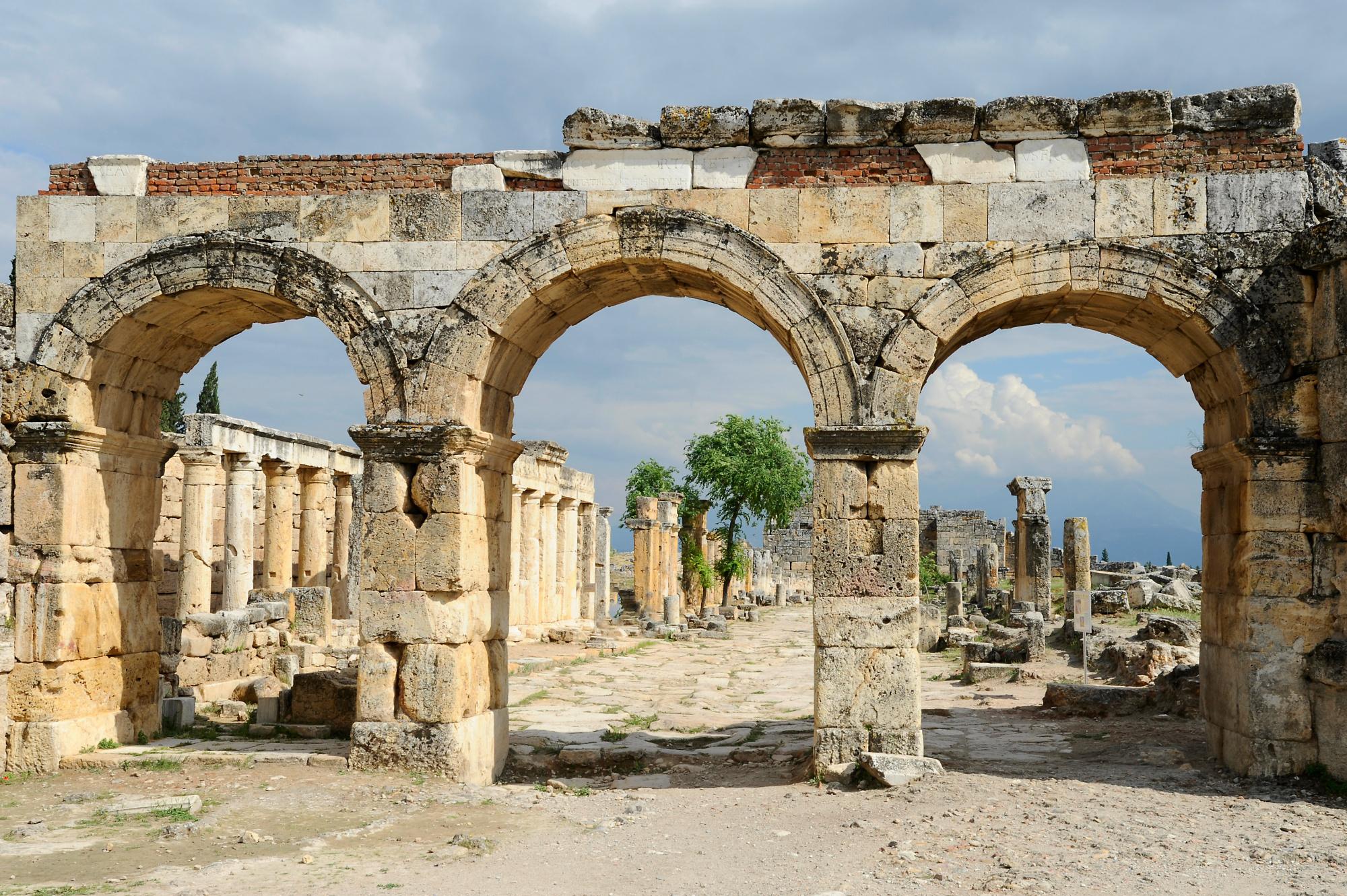 WT1374_Domitiantor_Hierapolis
