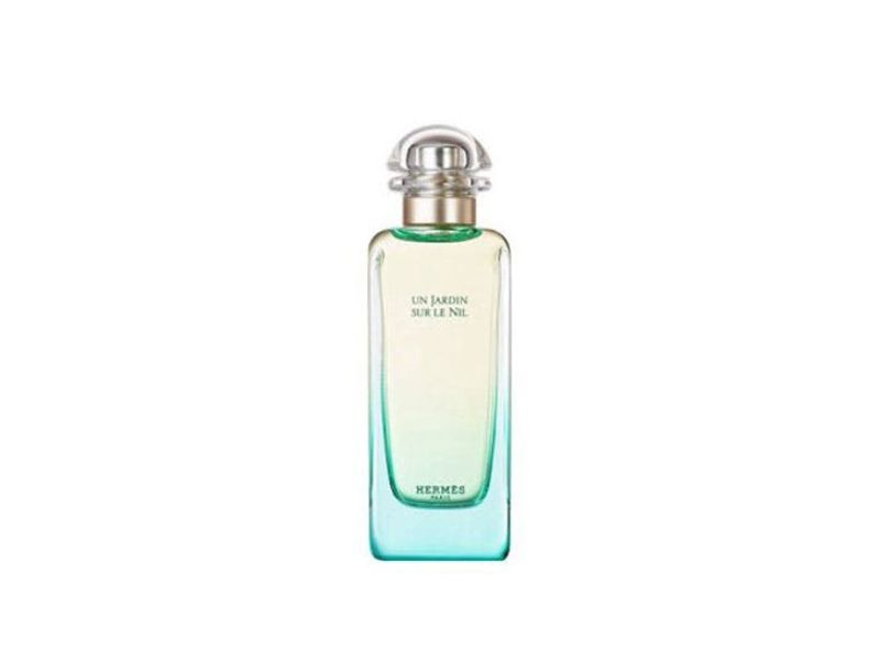 najbolji-letnji-parfemi-za-svaki-horoskopski-znak-2295-bK