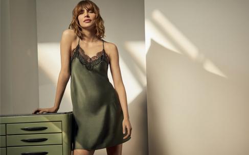 Оливковый цвет — сочетания в одежде