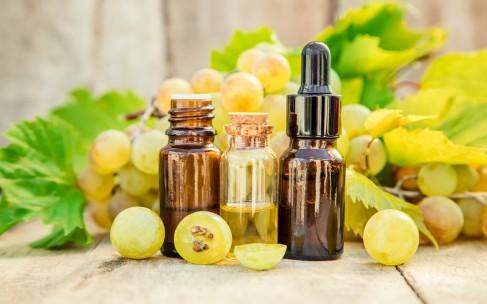 Виноград в косметике: свойства и применение