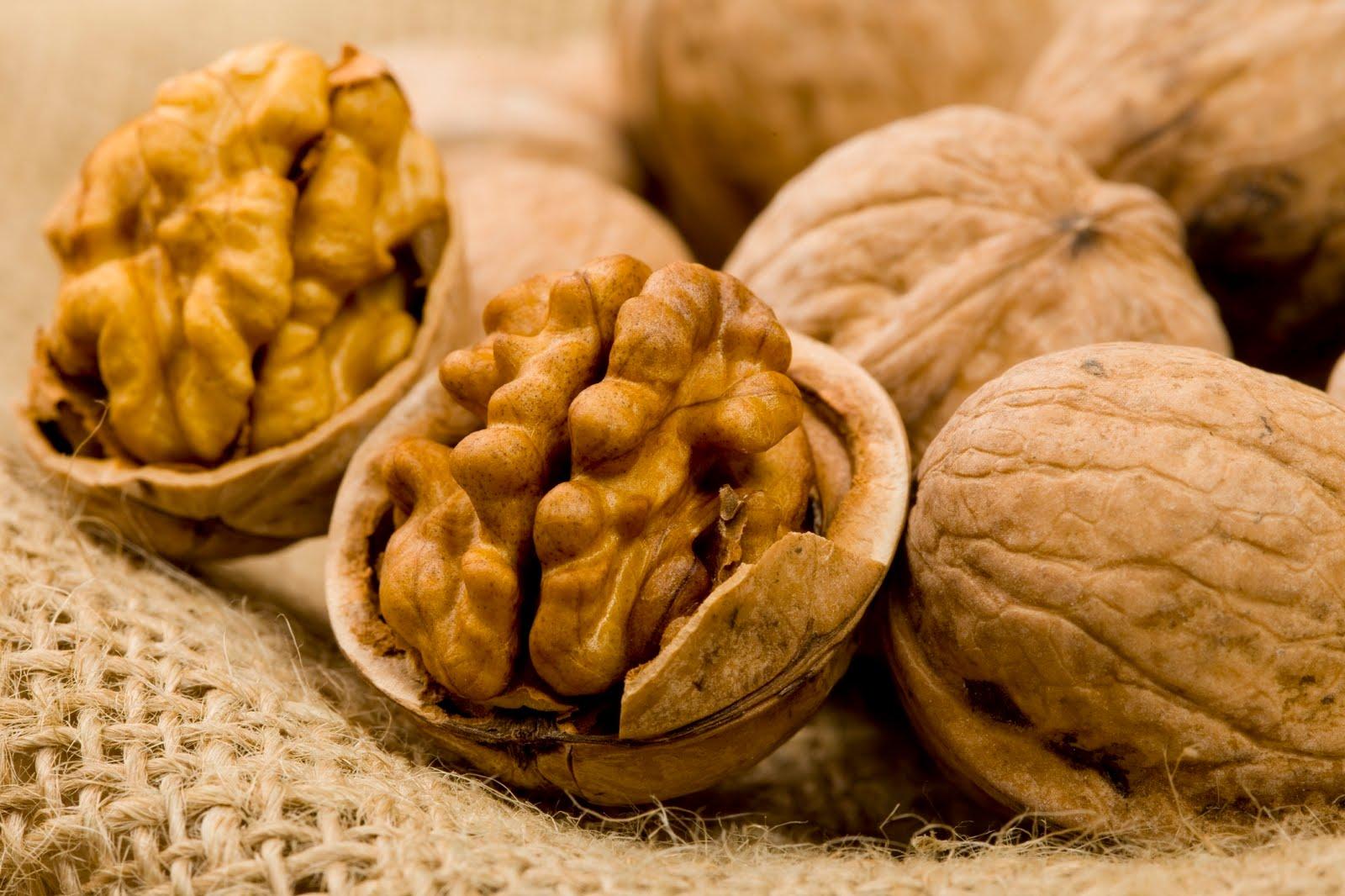 Чудесные свойства масла грецкого ореха