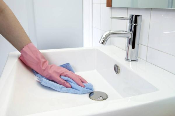 6-neobicnih-nacina-da-koristite-penu-za-brijanje- (4)