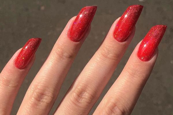 Скошенные ногти — оригинальный маникюр