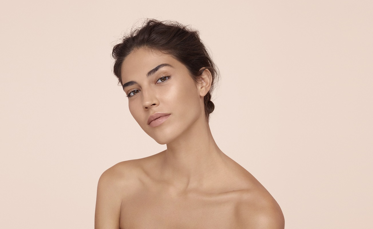 Как эффектно выглядеть без макияжа?