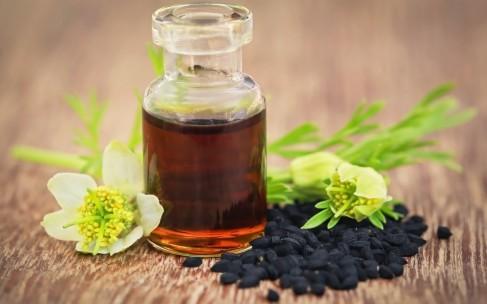Причины использовать целебное масло черного тмина
