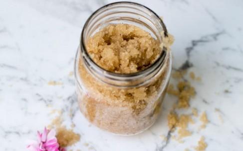 Рецепты домашнего пилинга с сахаром