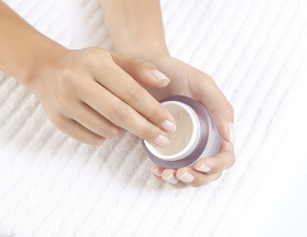 woman's hands holding a nourishing cream for face care, Image: 260293876, License: Royalty-free, Restrictions: , Model Release: no, Credit line: Profimedia, Panthermedia