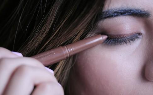 Быстрый макияж: тени-наклейки