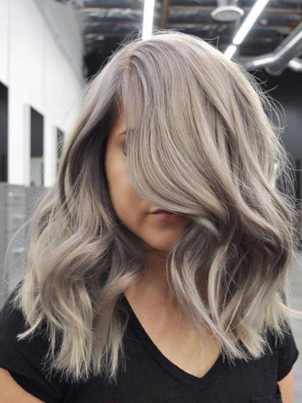 kako-poneti-trend-srebrne-kose-i-ostati-unikatan-1023-Br