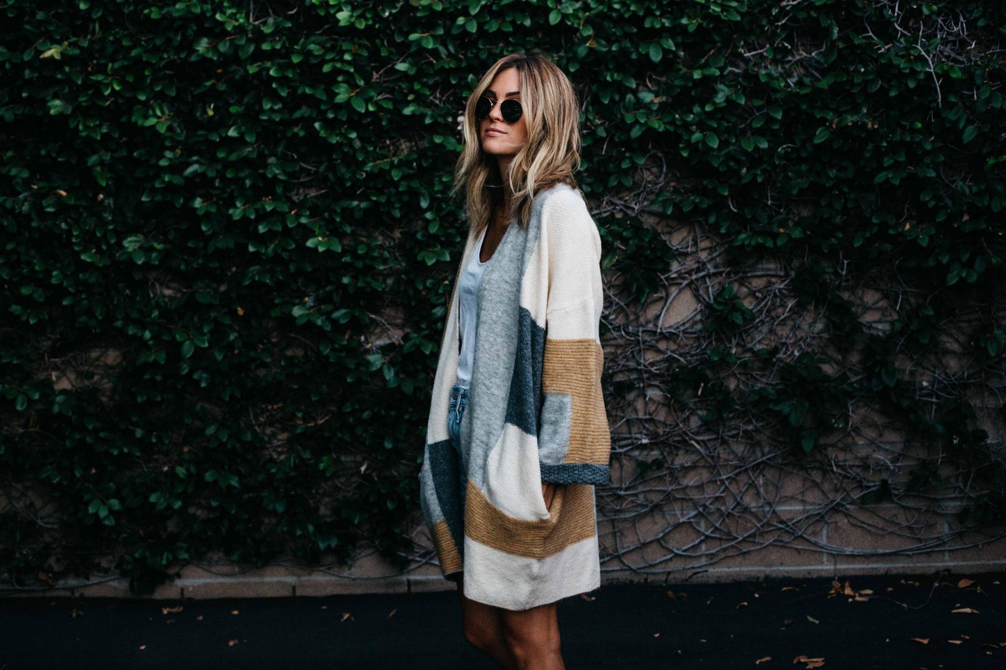 Кофта и платье на пуговицах: образы на каждый день