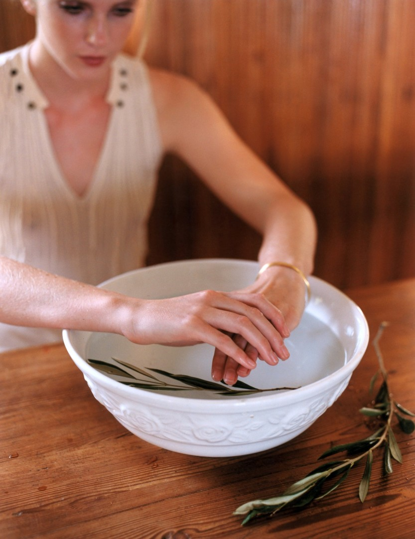 Close-up of woman's hands above bowl filled with olive oil, Image: 214835679, License: Rights-managed, Restrictions: ,Model Release clearance required before use,, Model Release: no, Credit line: Profimedia, Seasons.Agency Beauty