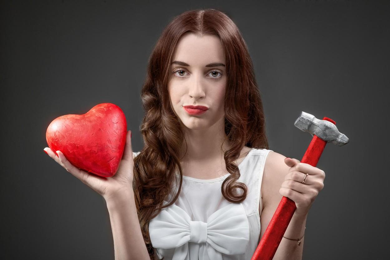 Почему вы держитесь за тех, кто разбивает вам сердце?