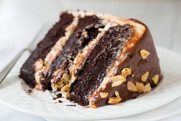 snickers-cake-33-600