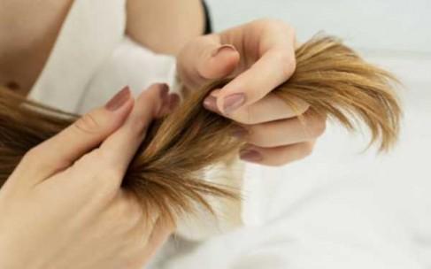 Как спасти сухие волосы?