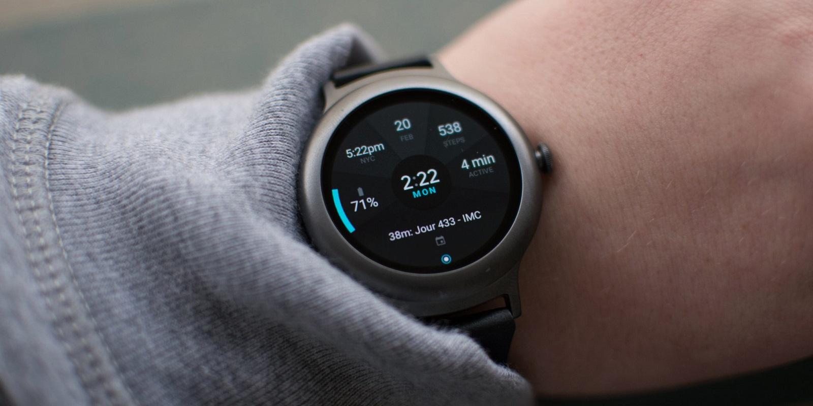 LG-Watch-Sport-smartchasyi-stil-na-ruke