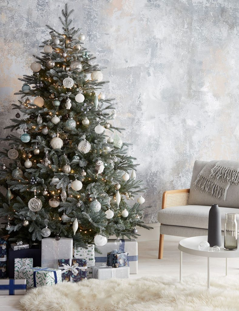 christmas-metallic-decor