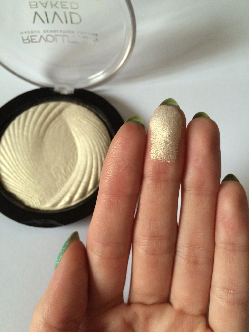 Makeup-Revolution-vivid-Baked-highlighter-hajlajter-_slika_O_75385181