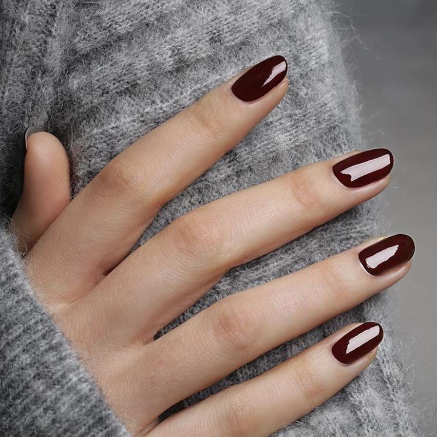 Самые стойкие лаки для ногтей