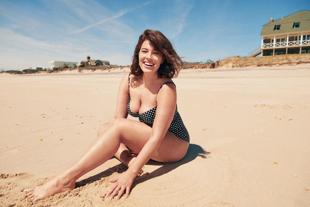 ashley-graham-dolce-swimsuit-1559813318