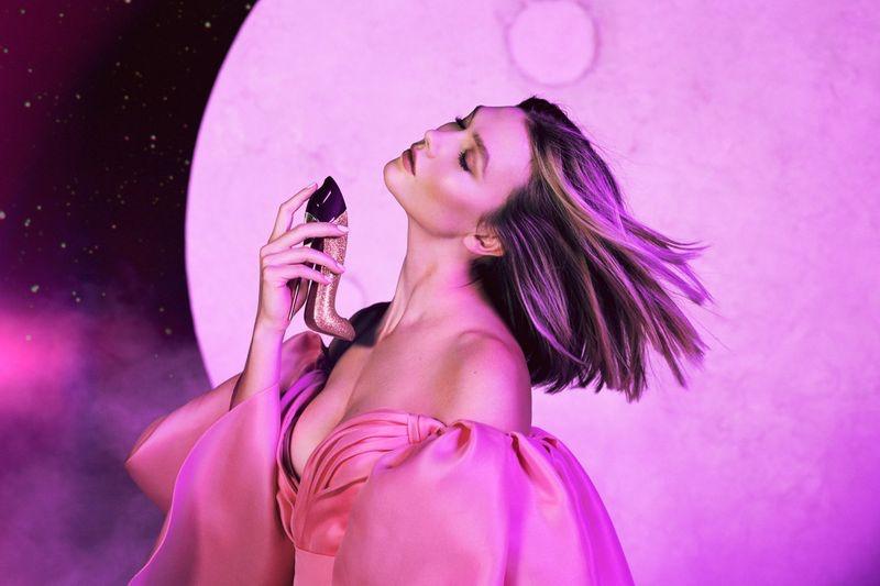 Karlie-Kloss-Carolina-Herrera-Good-Girl-Fantastic-Pink-Campaign03