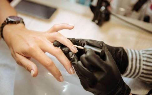 От каких косметических процедур нужно отказаться при эпидемии?
