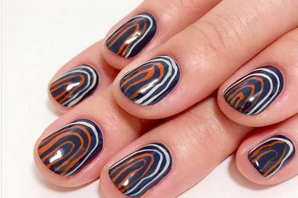 striped-nail-art-prugasti-manikir-koji-mozete-isprobate-sada (1)