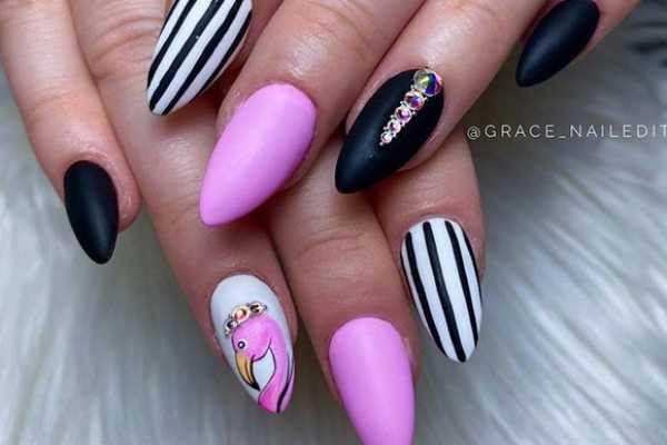 striped-nail-art-prugasti-manikir-koji-mozete-isprobate-sada (9)