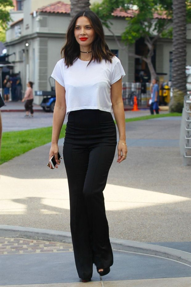 San Diego, CA - *EXCLUSIVE* - Actress Olivia Munn keeps it trendy but casual as she leaves her hotel and heads to Comic-Con in San Diego. Olivia was rocking a white blouse and a pair of high rise black pants as she left her hotel. Pictured: Olivia Munn *UK Clients - Pictures Containing Children Please Pixelate Face Prior To Publication*, Image: 342637677, License: Rights-managed, Restrictions: , Model Release: no, Credit line: Profimedia, AKM-GSI