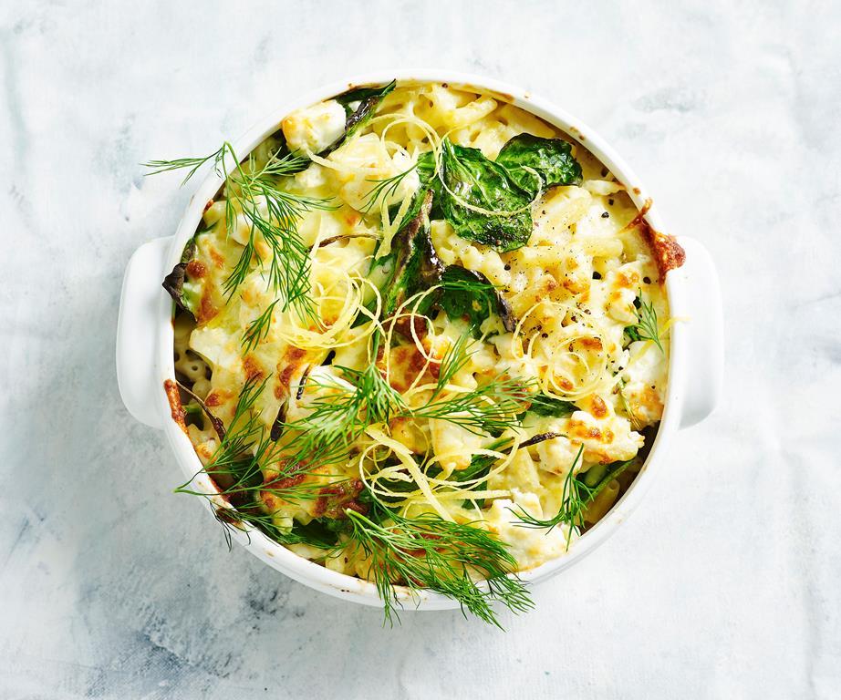 Запеченные макароны с цветной капустой и сыром