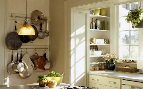 Как декорировать маленькую кухню, чтобы она выглядела больше
