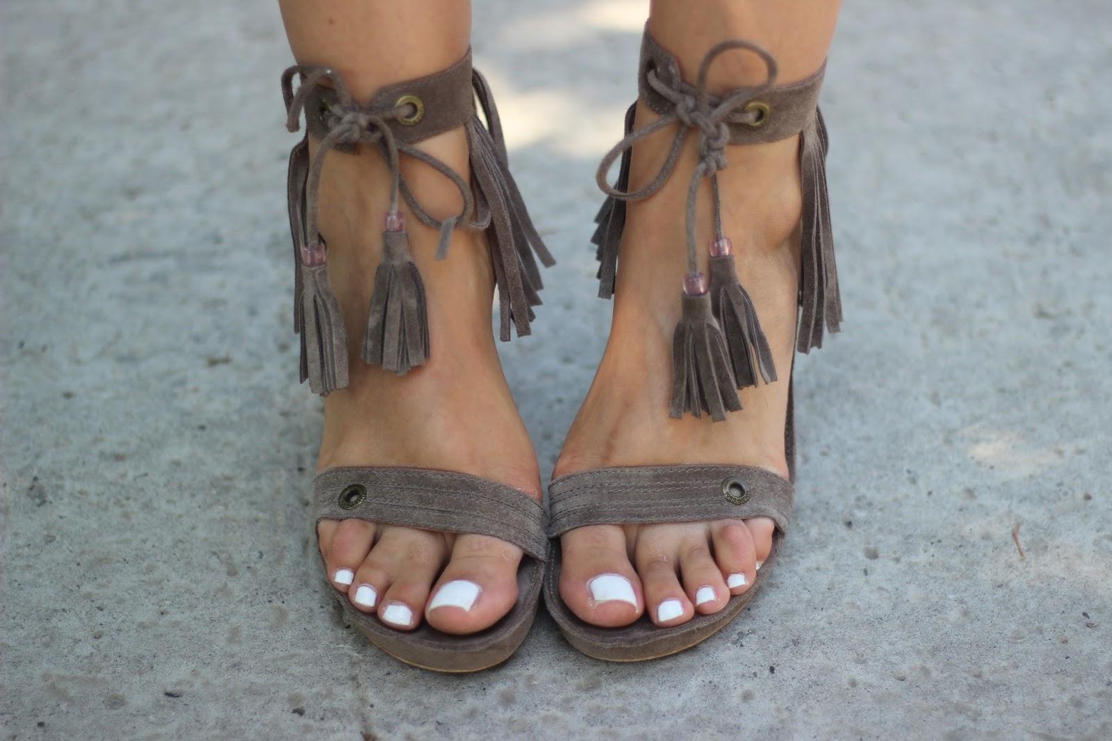 Неожиданная обувь на шнуровке