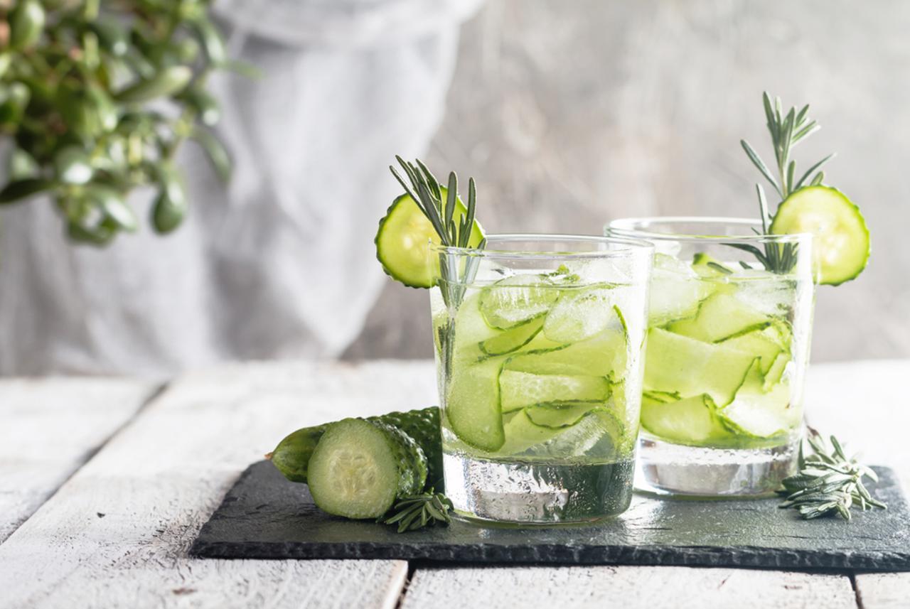 Огурцы: полезен ли детокс-напиток?
