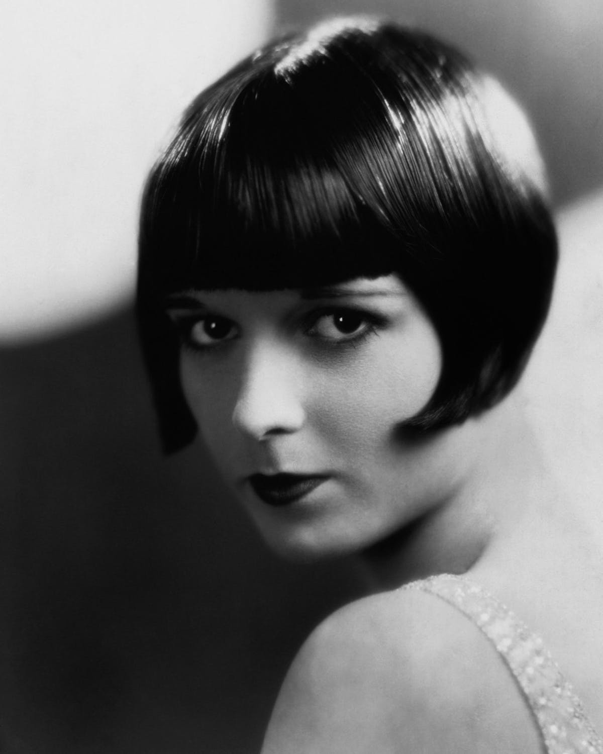 french-bob-haircut-louise-brooks