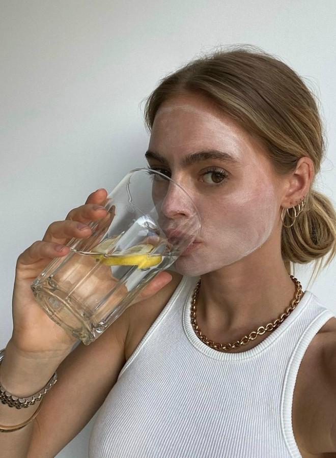 sta-je-zdravije-piti-na-prazan-stomak-vodu-sa-limunom-ili-sircetom (2)