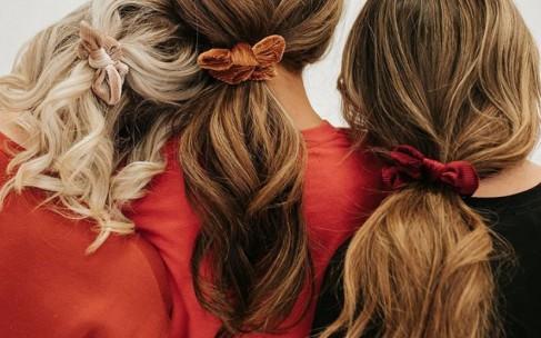 Бархатная резинка для волос