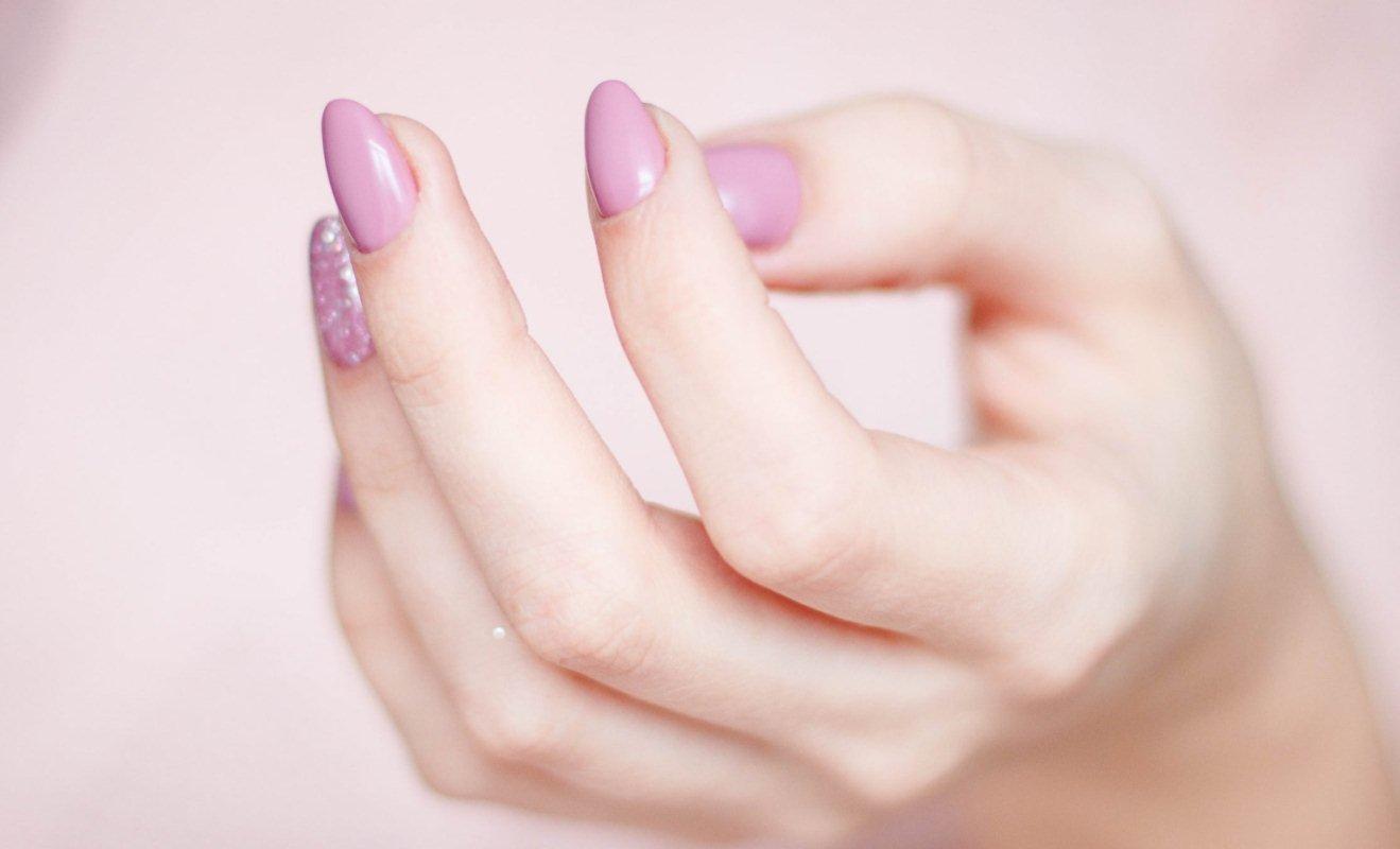 Почему ломаются ногти и как это исправить?