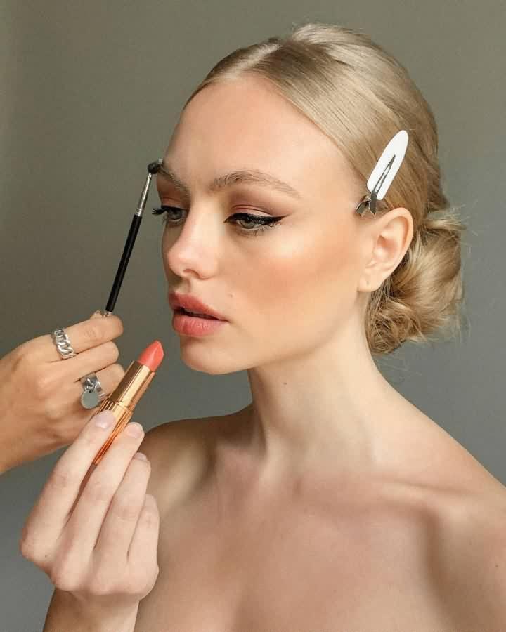sminka-makeup-trendovi-zima-2021-1