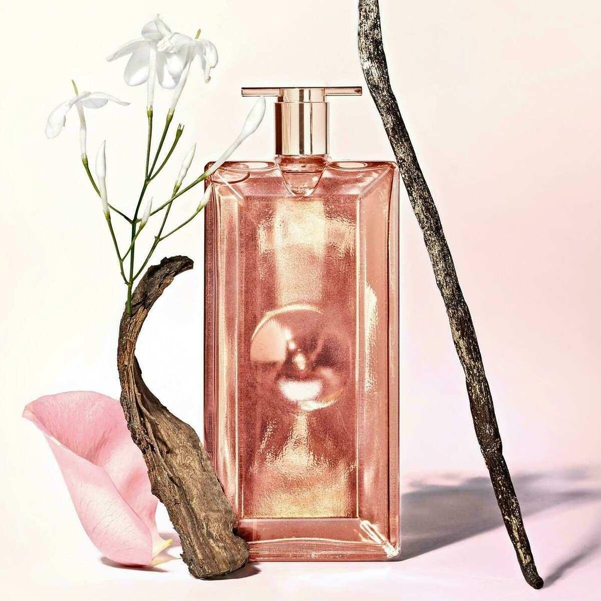 Выбираем парфюм: как отличить подделку от оригинала?